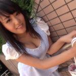 浜崎真緒 巨乳女子大生まおちゃんのおっぱいモミモミw