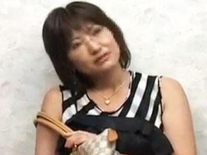 名古屋の人妻を失神寸前の連続FUCK!