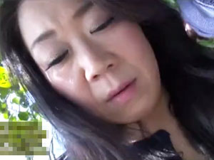【島津かおる】数年前からセックスレスの44歳Hカップ爆乳熟女の初撮り