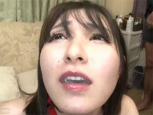 涙を流しながらイラマチオ!30歳すぎて初精飲(ごっくん)するМ願望の素人妻みのり