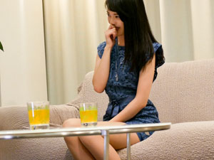 セレブ人妻りお(25歳)