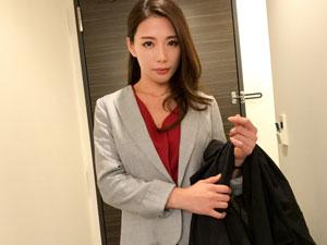 37歳れいか 生保レディー美女OLを新橋駅前でナンパセックス!
