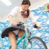 パンチラ連発!女子校生が発電自転車ゲームに挑戦!