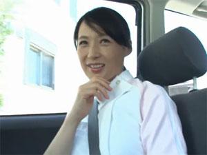 50歳すぎて初めての大量精飲! 安野由美51歳