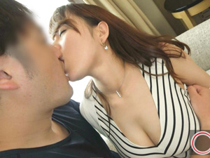 32歳人妻なつみ Jカップ爆乳妻が激揺れSEX!