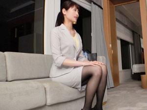 土下座してセックスして下さいと懇願され体を許しちゃう美人秘書