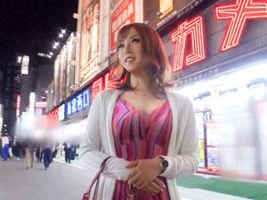 新宿西口でナンパした出勤前のキャバ嬢なつき 23歳